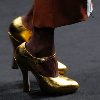 gucci gold shoes