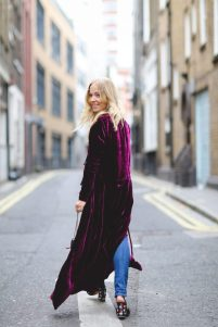 diana-velvet-trend-fall-winter-2016-attico-bulgari-topshop-london-fashion-week-lfw-street-style-dubai-blogger-4-683x1024