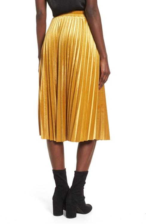 velvet_pleated _skirt