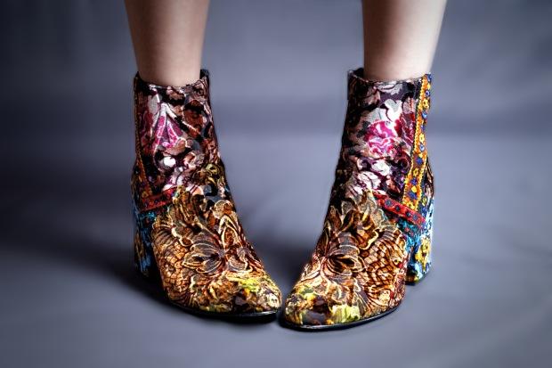 velvet_boots_front